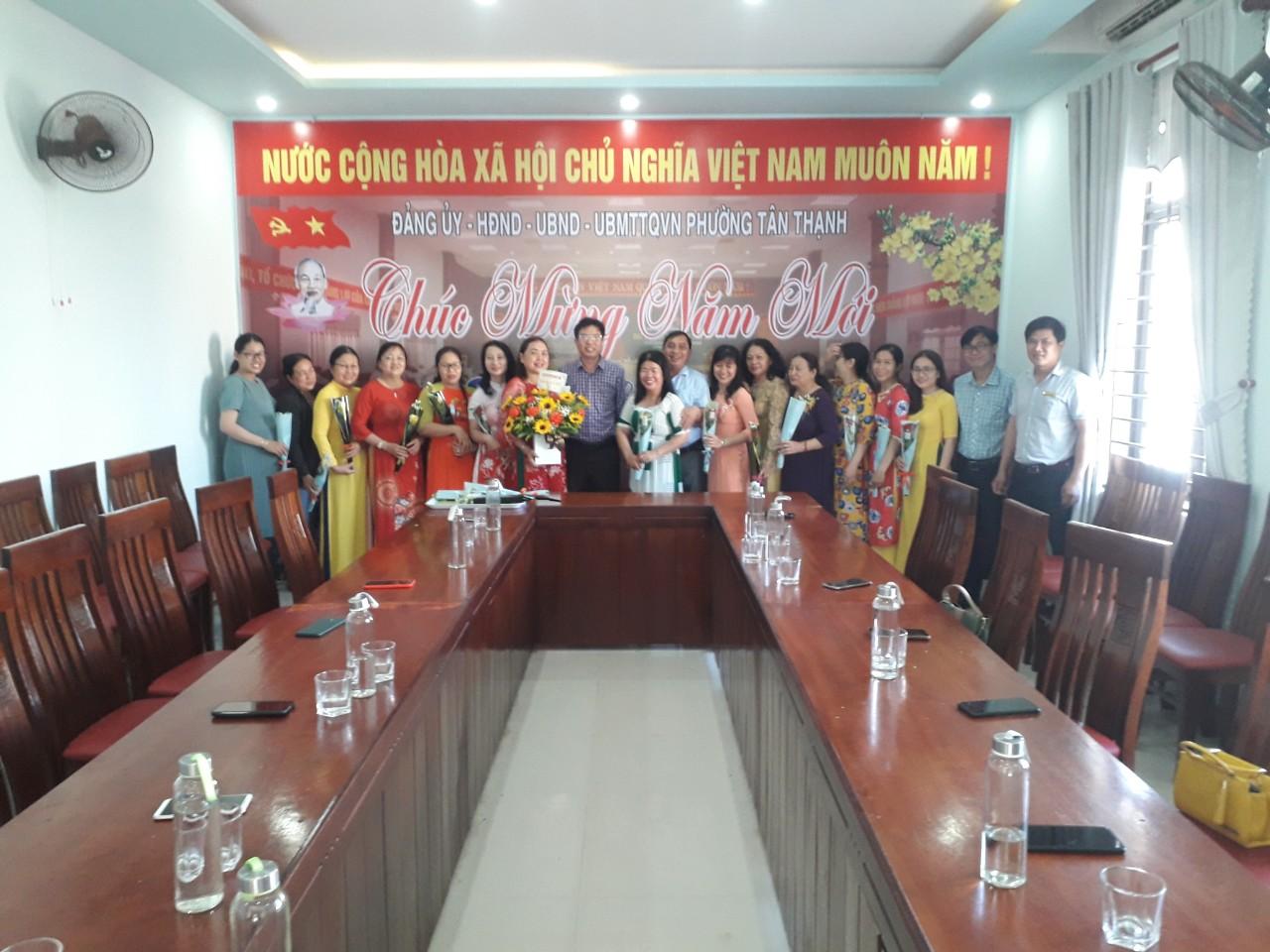Công đoàn phối hợp với UBND tổ chức các hoạt động Ngày Quốc tế Phụ nữ (08/3).